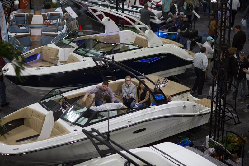 buying-at-boat-show.jpg